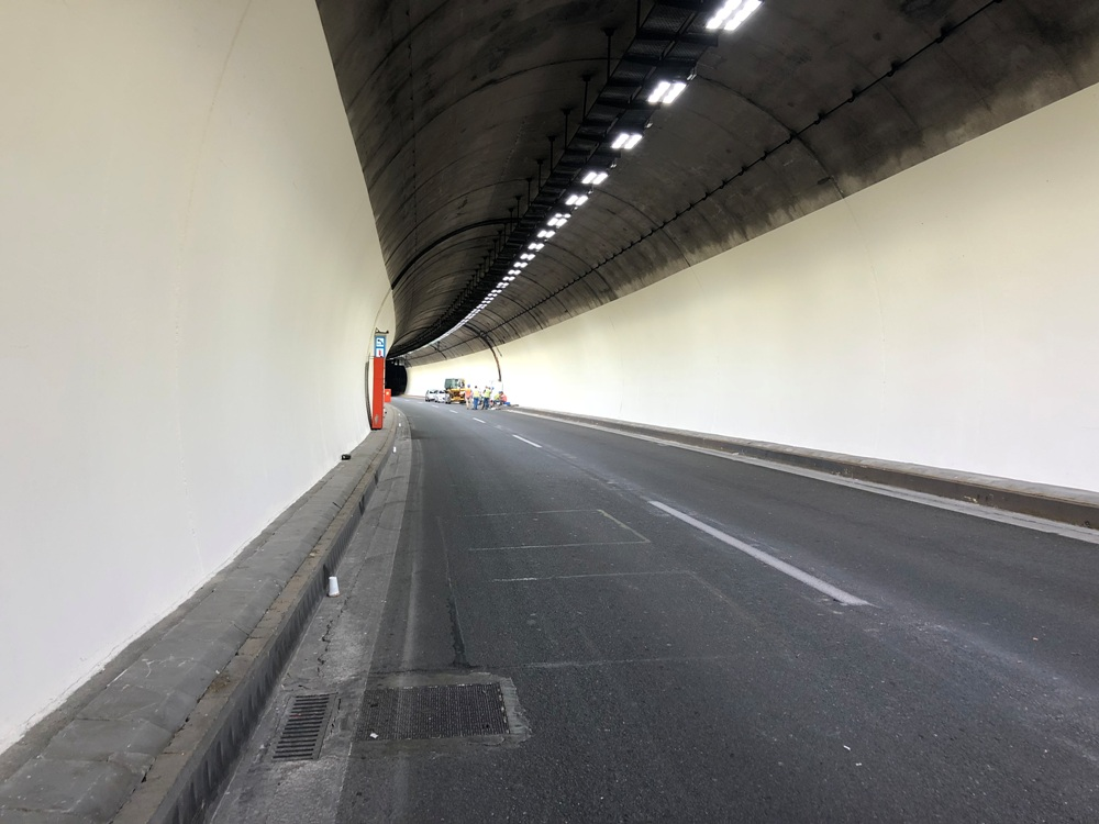 SIRECLED provides the LED luminaires for the first large scale tunnel lighting project in Greece